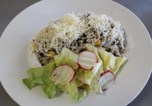 Zeleninové rizoto s bulgurem a čočkou beluga, sýr 25.4.2019