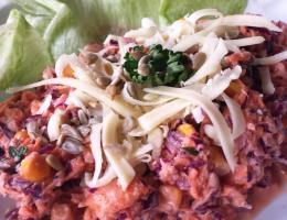 Podzimní míchaný salát z červeného zelí