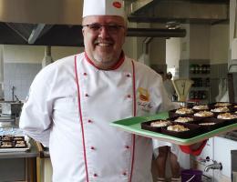Šéfkuchař Karel Rut nabízí dezert